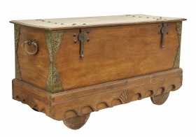 Vintage Trunk Chest on Wheels