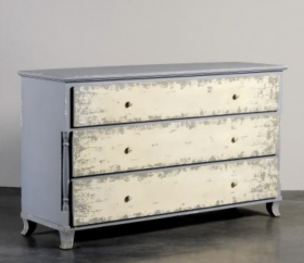 Country French Chest of Drawers